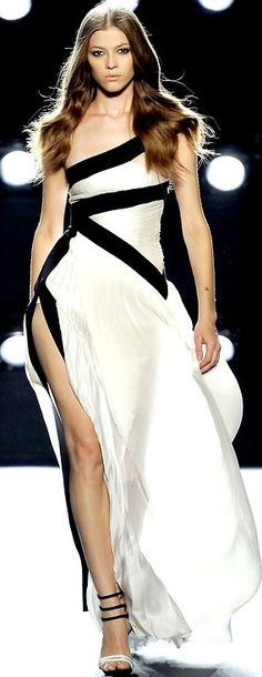 TD ❤️ Black and white gown jaglady