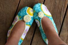 How to Make Fabric Slippers with Free Pattern | Prudent Baby
