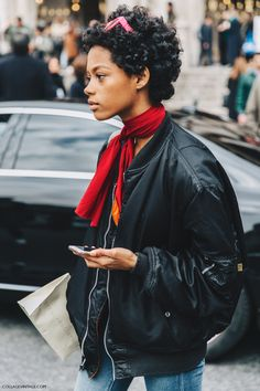 PFW-Paris_Fashion_Week_Fall_2016-Street_Style-Collage_Vintage-Stella_McCartney-Bomber-3