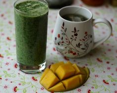 hello-healthy-life:    breakfast: green smoothie (frozen spinach, banana, soymilk, flaxseed and a dash of cinnamon), mango and peppermint-tes