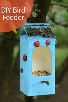a Bird Feeder Out of Recycled Materials This easy DIY feeder will make birds, and the earth, happy. Photo: Carly J. Cais/Make a Bird Feeder Out of Recycled Materials This easy DIY feeder will make birds, and the earth, happy. Photo: Carly J. Recycled Art Projects, Recycled Crafts, Projects For Kids, Diy For Kids, Crafts For Kids, Art From Recycled Materials, Make A Bird Feeder, Bird Feeders, Diy Crafts To Do