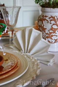 table.quenalbertini: Easter Table with a Special Napkin Fold | StoneGable