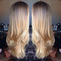 It's honestly not even fair how gorgeous her hair is #blonde #balayage #natural #behindthechair #hairinspo