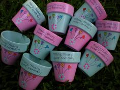 How to Plant Potted Flowers Outdoors in the Soil : Garden Space – Top Soop Painted Plant Pots, Painted Flower Pots, Flower Pot Crafts, Clay Pot Crafts, Decorated Flower Pots, Flower Pot Design, Mothers Day Crafts For Kids, Garden Whimsy, Cactus Y Suculentas