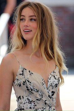 Amber Heard Best Picture For Beautiful Celebrities skin care For Your Taste You are looking for something, and it is Beautiful Celebrities, Beautiful Actresses, Beautiful Eyes, Most Beautiful Women, Amber Heard Hair, Amber Heard Style, Amber Head, Le Jolie, Hollywood Actresses