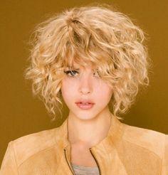 Taglio capelli corti ricci inverno 2015