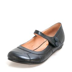 MMDOTTY MMDOTTY Miz Mooz - New York brand, Comfort and classic good looks leather shoes with hand burnished finish, flexible rubber outsole. $139.95 www.ishoes.com.au #ishoes #flats #fashion #shoes