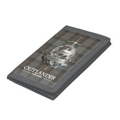 Outlander | The Fraser Brooch Tri-fold Wallet - How about this cool TV series period piece Outlander? Gotta love it. #outlander #outlanderstarz #outlanderseries #outlanderfan #tvshows #tvseries #starz #giftideas #gift #giftsfordad #giftsforher Outlander Clothing, Caitriona Balfe Outlander, Drums Of Autumn, Stag Deer, Outlander Tv Series, Jamie Fraser, Dog Bowtie, Gifts For Dad, Tri Fold