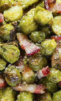 """Roasted Brussels SproutsQuick, healthy and at the same time, a dish that will keep you """"full"""" for a long time?! If you think that this is an impossible combination, try Roasted Brussels Sprouts with bacon and parmesan."""