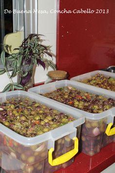 Aceitunas aliñadas Marinated Olives, Canapes, Tapas, Vegan, Vegetables, Cooking, Collars, Foods, Gourmet
