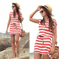 Such a cute outfit! This is a good summer dress option besides spaghetti or strapless.