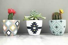 Painted plant pots, painted flower pots, painted vases, ceramic painting, d Painted Plant Pots, Painted Flower Pots, Painted Vases, Diy Pouf, Flower Pot Design, Recycling, Diy Planters, Succulent Pots, Cactus Flower