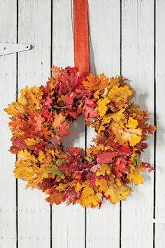 Festive Fall Wreath Ideas: Colorful Foliage Fall Wreath