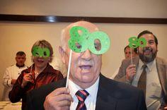 MiCameo: Celebración de los 80 años de mi papá! Un día muy especial! 90th Birthday Parties, Birthday Party Decorations, Happy Birthday, Party Fiesta, Grandma Birthday, Milestone Birthdays, Happy B Day, Party Gifts, Party Time
