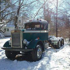 Who got snow this weekend? Peterbilt 379, Peterbilt Trucks, Mack Trucks, Hot Rod Trucks, Big Rig Trucks, Semi Trucks, Cool Trucks, Chevy Trucks, Antique Trucks