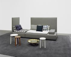Inspired by Persian seating islands: modular sofa SHIRAZ by Philipp Mainzer and Farah Ebrahimi. Side table: ALEX by Philipp Allayes. / www.e15.com #e15