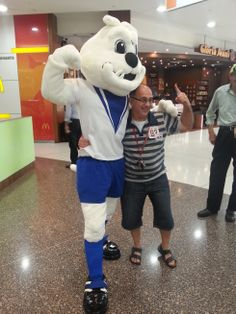 We have fun activities every Sunday ~ Brutus had a ball meeting centre customers! See more pics here on facebook!