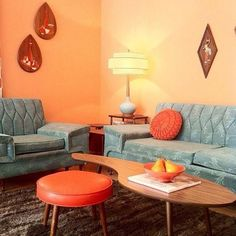 Kidney shaped tables and sputnik legs on EVERYTHING! So mid century modern, so fab. Isn't vintage 1950's design great?? Interior design