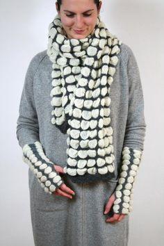 Luxus Winterschal für Frauen aus Mohair Knitted Scarves, Etsy, Vintage, Fashion, Luxury, Kleding, Woman, Knitting Scarves, Moda