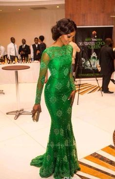 Elegant Emerald Green Lace Mermaid Prom Dresses With Long Sleeves evening dresses