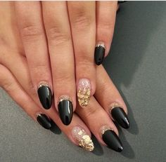Black and Gold Flakes Nails #thenailboss