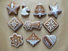 Gingerbread Decorations, Gingerbread Man, Gingerbread Cookies, Christmas Desserts, Christmas Baking, Cupcake Cookies, Christmas Cookies, Christmas Biscuits, Iced Biscuits