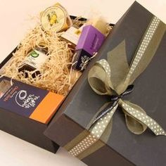 NZ gifts online: Corporate gifts (NZ made) & superb New Zealand gifts Packaging Ideas, Gift Packaging, Cheese Gifts, Bbq Gifts, Online Gifts, Corporate Gifts, Gift Boxes, Foodies, Gift Wrapping