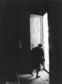 Erich Hartmann - The door of the church (Spilimbergo, Pordenone, Friuli-Venezia Giulia, Italy, 1997.)