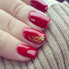 Hermosas uñas decoradas en rojo - Beautiful red nails