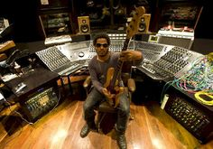 #LennyKravitz - I wouldn't want to 'fly away' from that setup (haha- bad joke alert) #studio