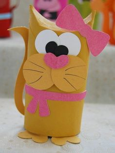 Have a toilet paper roll? Don't toss or recycle. Here are some easy toilet paper roll crafts ideas that you can teach your preschooler or older kid. Toilet Tube, Toilet Roll Craft, Toilet Paper Roll Art, Rolled Paper Art, Toilet Paper Roll Crafts, Cardboard Crafts, Cat Toilet, Cardboard Tubes, Kids Toilet