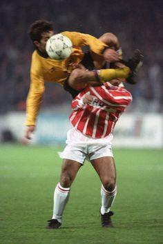 Romário en el PSV-AEK Atenas de Champions League 1992/93.