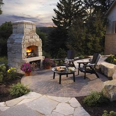 Backyard retreat Outdoor Fireplace and Circle Patio by Winco Landscape Outside Fireplace, Outdoor Fireplace Designs, Fireplace Set, Backyard Fireplace, Outdoor Fireplaces, Stone Fireplaces, Fireplace Ideas, Backyard Seating, Backyard Retreat