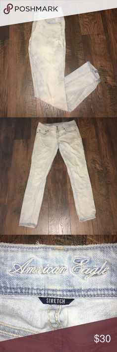 American Eagle Distressed Jeans Gently used extra light wash distressed denim.  Jeans are a skinny fit that hits right above the ankle. No signs of any wear. American Eagle Outfitters Jeans Ankle & Cropped