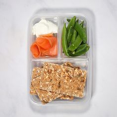 A whole month of Healthy Lunch Ideas all in one place. These make ahead, packed lunches are all quick to make, with vegetarian and clean eating options. Healthy Lunches For Work, Healthy Food Choices, Healthy Snacks, Healthy Recipes, Work Lunches, Lunch To Go, Lunch Meal Prep, Healthy Meal Prep, Meal Planning