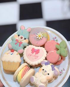 Hot Pink Strawberry Mayonnaise Pretty Birthday Cakes, Pretty Cakes, Cute Cakes, Cute Snacks, Cute Desserts, Comida Picnic, Cute Baking, Frog Cakes, Kawaii Dessert