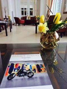 Picture of the month: BASQUE LUXURY MAGAZINE at the PARK VITZNAU HOTEL, Switzerland.    Fotografía del mes: BASQUE LUXURY MAGAZINE en el HOTEL PARK VITZNAU, Suiza.