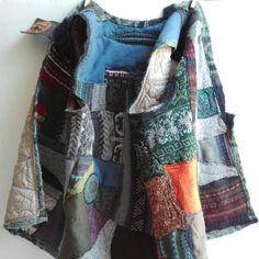 Upcycled clothing 💚 unisex vest, plus size, just born!