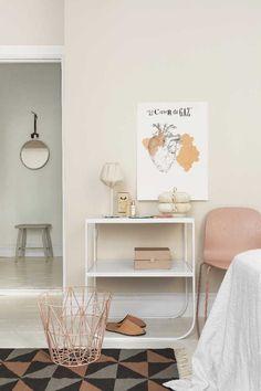 Kosketa tätä kuvaa: Sisustus - makuuhuone by Etuovi.com Sisustus