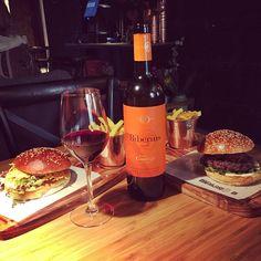 Cuando la #gastronomía y el buen #vino hacen un maridaje perfecto, hasta lo más sencillo se convierte en un manjar gourmet.