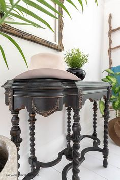 Black/Grey Vintage Console Table Diy Furniture Redo, Furniture Making, Painted Furniture, Salvaged Furniture, Furniture Refinishing, Furniture Ideas, Entry Hall Table, Before And After Diy, Upcycled Home Decor