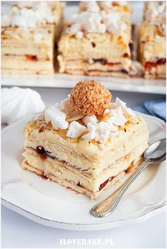 Ciasto Pani Walewska Polish Desserts, Polish Recipes, No Bake Desserts, Food Cakes, Vanilla Cake, Baked Goods, Cake Recipes, Cheesecake, Food And Drink