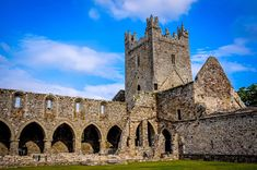 The Ruins of Jerpoint Abbey in Ireland (article)