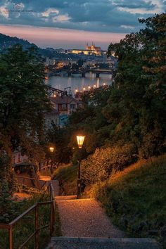 These beautiful places to travel around the world will amaze you to travel once in your life. These places are perfect for a life-changing experience. Nature Aesthetic, City Aesthetic, Travel Aesthetic, Autumn Aesthetic, Night Aesthetic, Beige Aesthetic, Places To Travel, Places To Go, Nature Photography