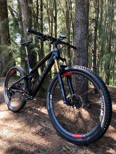 Trek Fuel Ex 9.9 Trek Mountain Bike, Best Mountain Bikes, Trek Mtb, Moutain Bike, Trek Bikes, Jafar, Bicycle Art, Mtb Bike, Bike Stuff