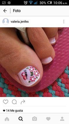 "PRETTY toe nail art for the ""big toe""! Cute Pedicures, Pedicure Nails, Manicure, Pretty Toe Nails, Pretty Toes, Pedicure Designs, Toe Nail Designs, Get Nails, Hair And Nails"