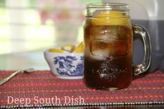 A low to no calorie recipe for a full gallon of pre-sweetened, robust iced tea, using sugar substitute.