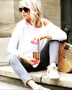 Our BEAUTIFUL ❤️Trendsetterin 👘 Fashionista 🎩 and Bloggerin 💻 Gitta Banko @gittabanko from BLONDWALK is wearing our #baumondi #sneakerbug ⭐️ #repost #blondwalk #accessoires #gittabanko #fashionista #bloggerin #trendsetterin #styleblogger #styleinspiration #mbfw2017 #berlin #germany #munich #shoes #shoeporn #shoestagram #fashionblogger #streetstyle #fashionweek #followus #freeshippingworldwide