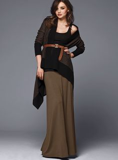 I've always been a maxi-skirt kind of girl. Think I'll try this look as soon as it gets cool.