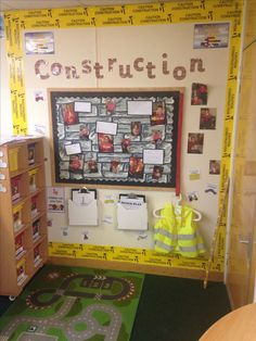 Construction area includes Hi Vis vests, meter sticks, tape measures, clip boards, calculators and all construction resources are available for children to choose from. Eyfs Classroom, Classroom Layout, Classroom Organisation, Classroom Setting, Classroom Decor, Classroom Displays, Construction Area Eyfs, Construction Area Early Years, Preschool Rooms